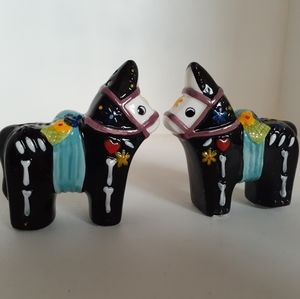 Mexican donkey salt & pepper shakers